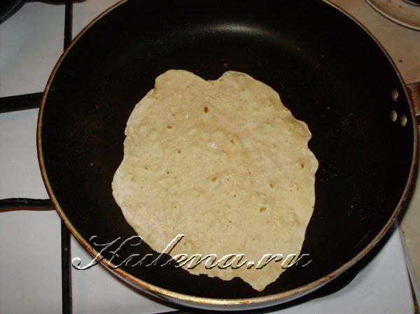 lepeschki-tortilya-testo-v-skovorode-charennaya